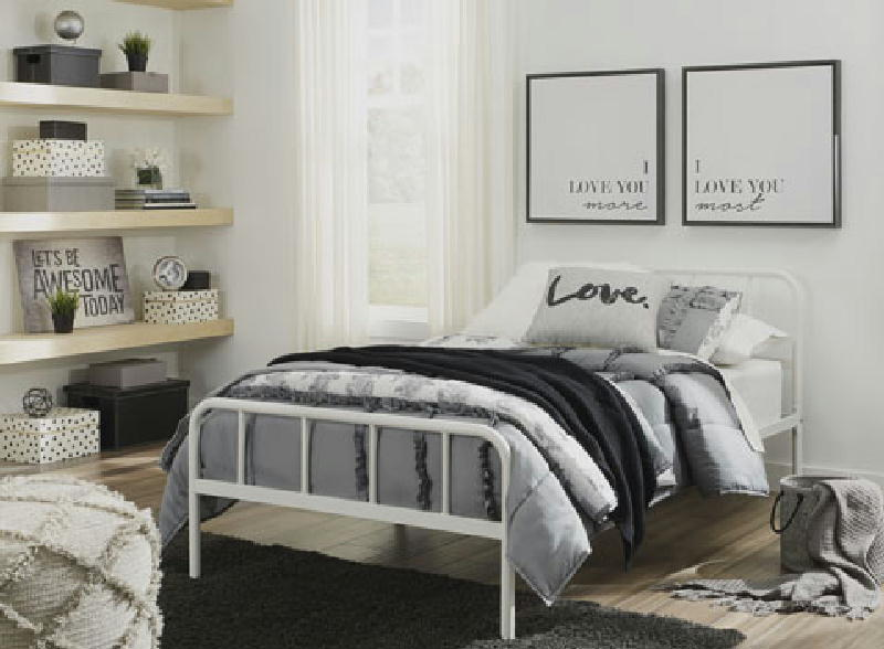 Day Bed and Trundle