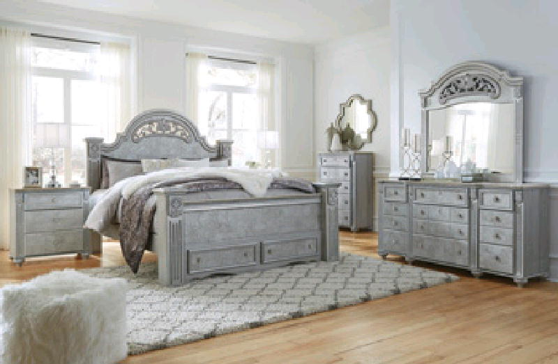 Queen Poster Bed D  M & NS