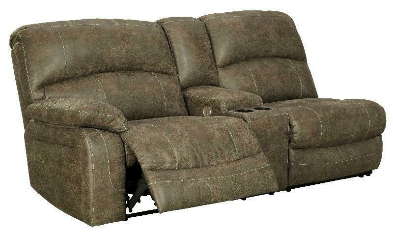 LAF REC PWR Sofa wconsole