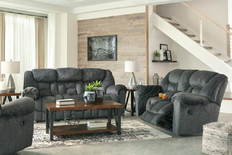 Reclining Sofa and Lovseat