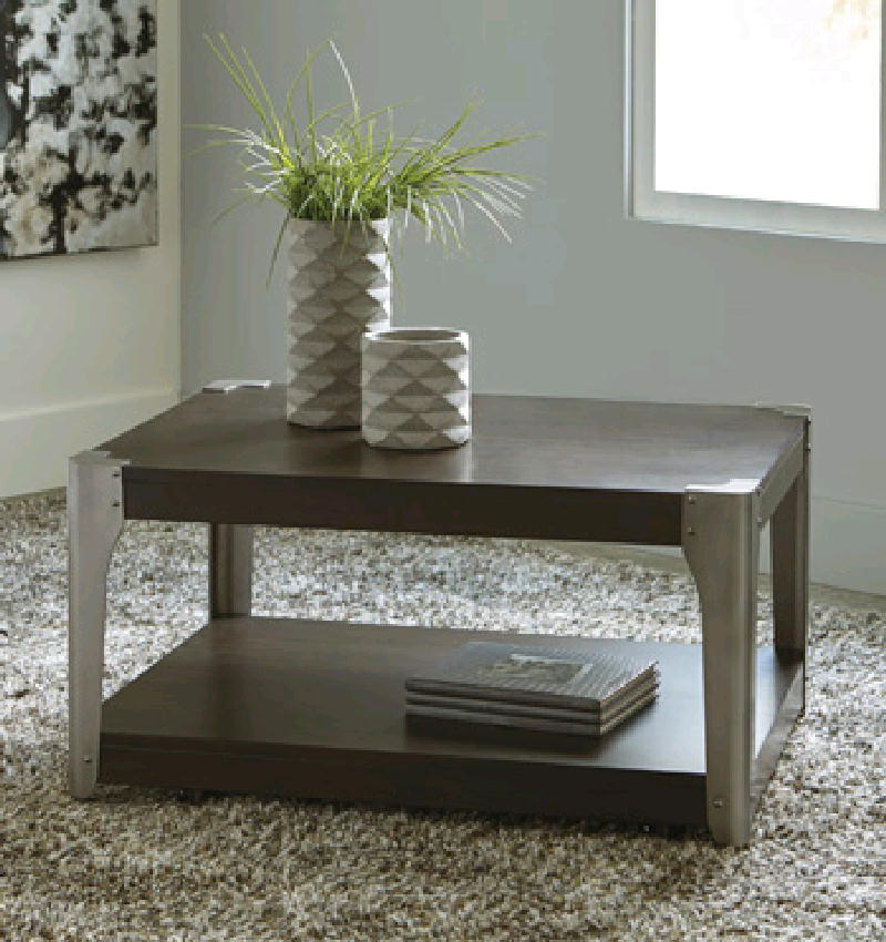 Cocktail Table w2 End Table