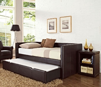 Brown twin day bed wtrundle